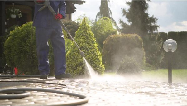 Mr. Dirt Blaster local partner Pro Under Pressure Cleaning, LLC pressure cleaning services 0043