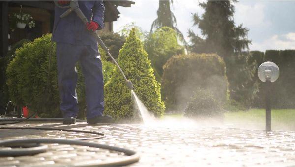 Mr. Dirt Blaster local partner Pro Under Pressure Cleaning, LLC pressure cleaning services 0043
