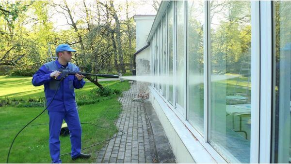 Mr. Dirt Blaster local partner Five Star Home Pressure Washing window washing 0052