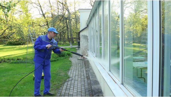 Mr. Dirt Blaster local partner MDB Pressure Washing window washing 0058