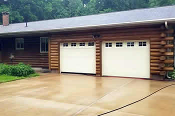 Power Washed Driveway in Dubuque, IA
