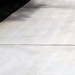 Pressure Washing Driveways in the Pensacola area